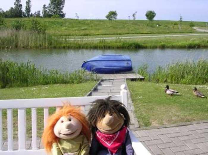 Lucy und Jimmi auf dem Schiff