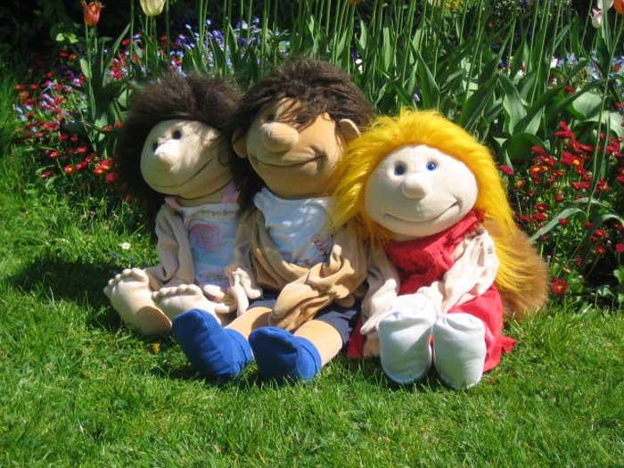 Fridolin und Freunde aufm Rasen