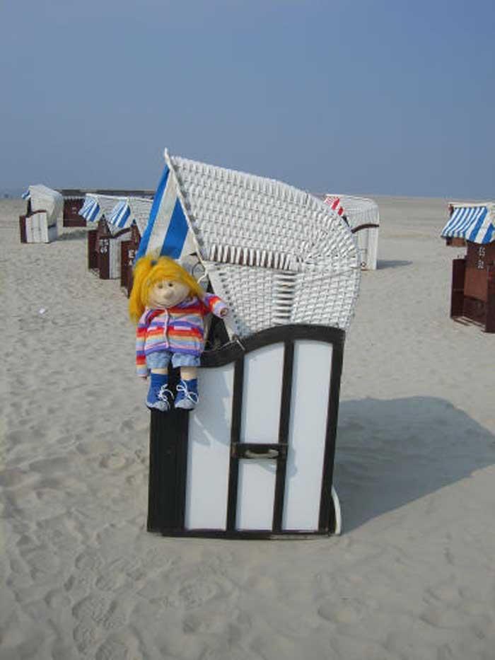 Jana im Strandkorb