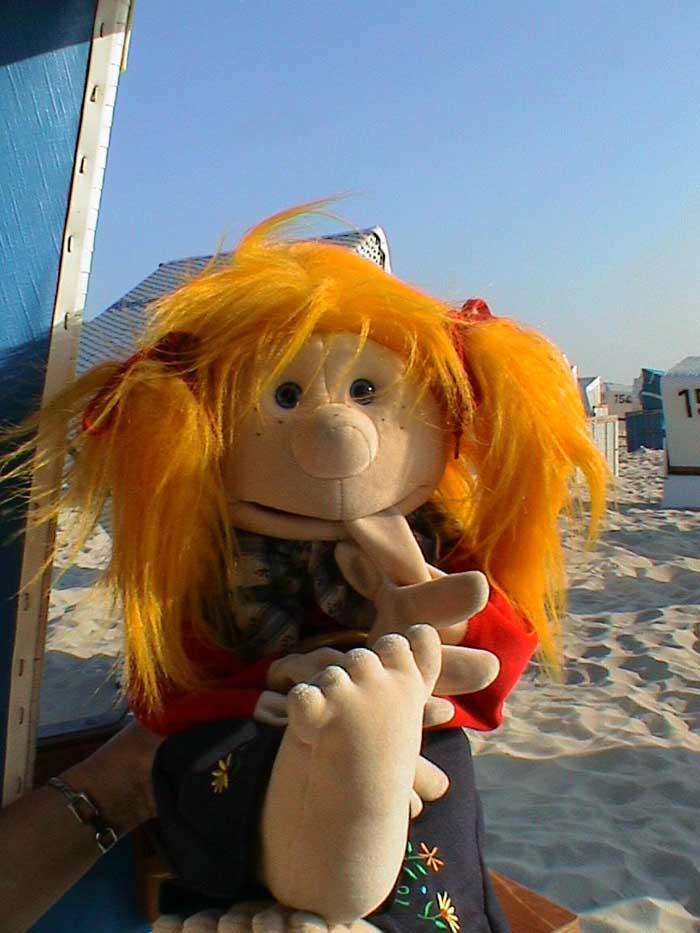Jule im Strandkorb